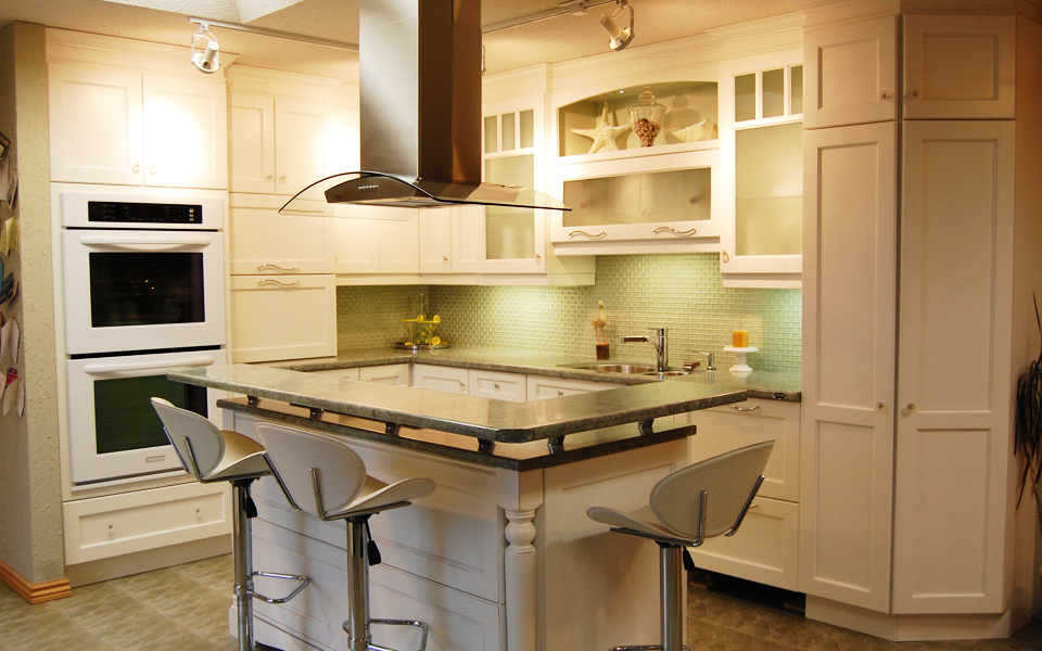 Showroom Kitchen Cabinets by Dowdal Cabinets
